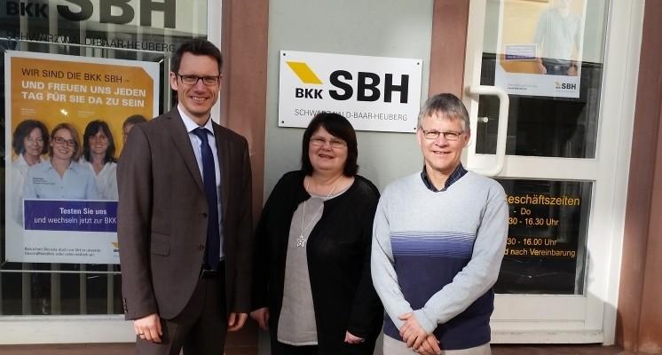 Uwe Amann Vorstand BKK SBH, Irene Hensel, Thilo Jäckle Geschäftsstellenleiter St. Georgen